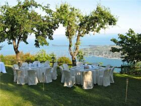 Hotel & restaurant with staning views at the lake Garda, Italy